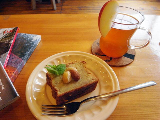 Chupka.books&coffee(チュプ カ ブックス&コーヒー)~富良野カフェ10