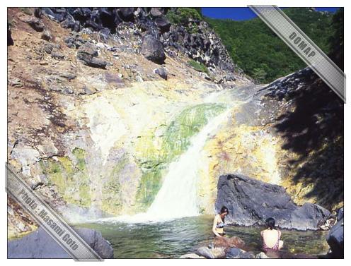 カムイワッカ湯の滝~知床